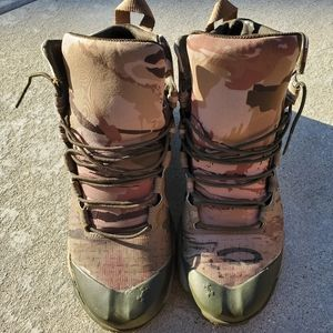 Under Armour Camoflage boots